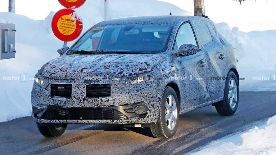 Szaporán dobálja le magáról az álcát az új Dacia Sandero
