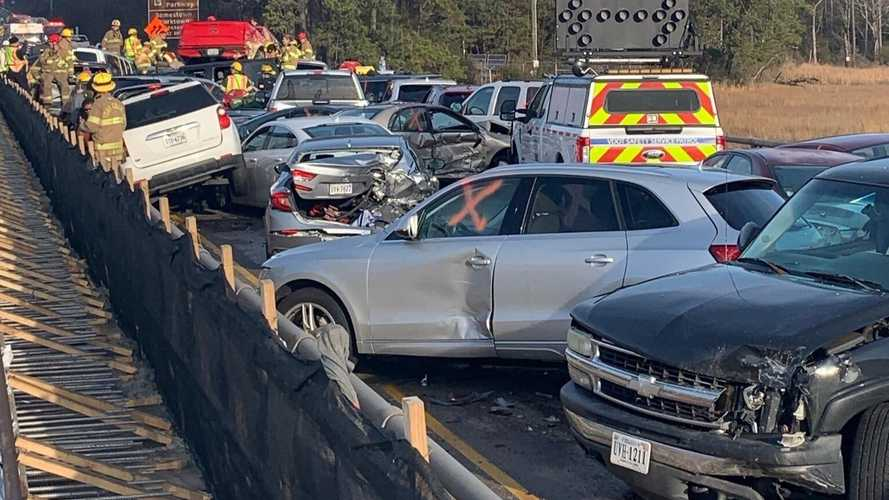 Videó: Közel 70 összetört autó, több tucatnyi sérült egy virginiai tömegkarambolban