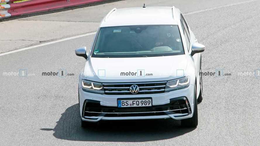 Volkswagen Tiguan spy photos