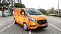Ford Transit Custom Plug-in Hybrid, il test a Roma