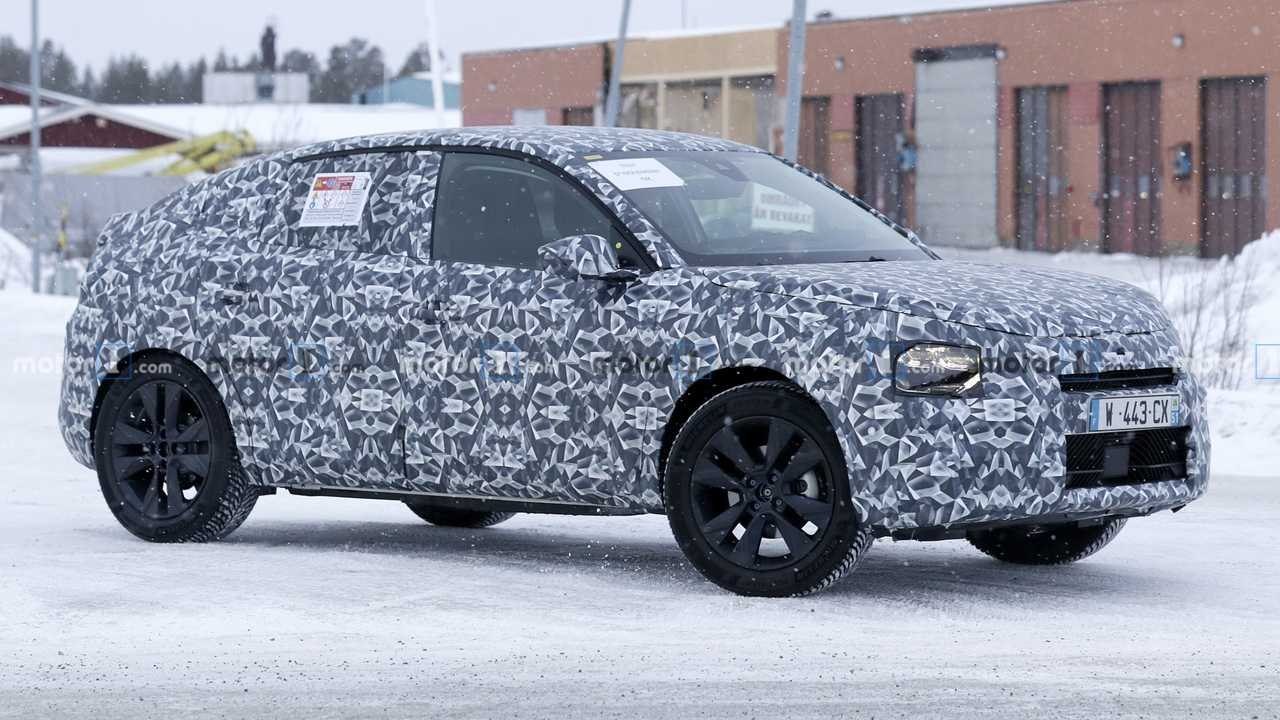 Citroen C4 Cactus replacement spy photo