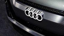 Audi plant Luxus-A8 und Q3 Sportback