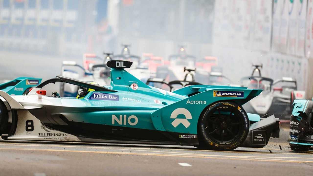 Accrochage entre Nelson Piquet Jr et Tom Dillmann
