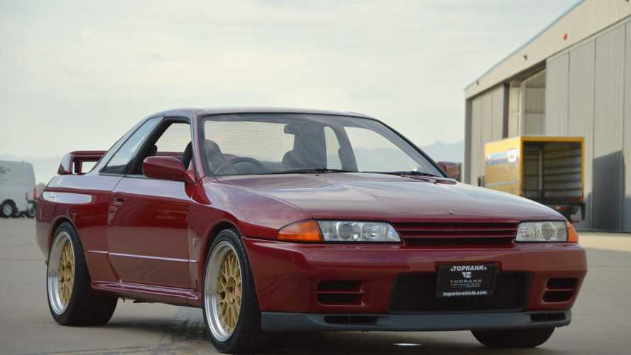 Be Fast And Furious In This 1992 Nissan Skyline GT-R