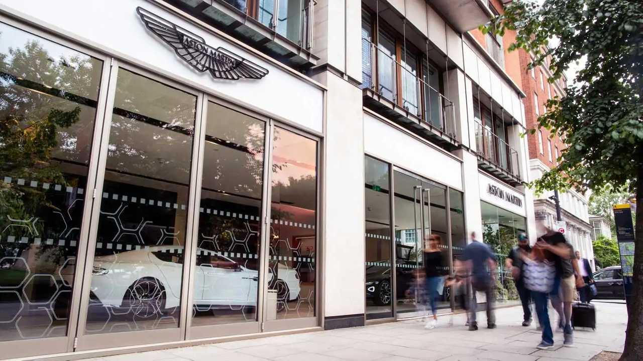 Londra'daki Aston Martin Rapide E