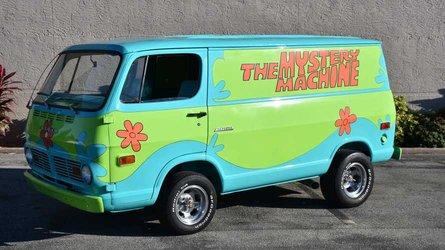 1969 z movie car scooby doo mystery machine pays tribute to a tv legend
