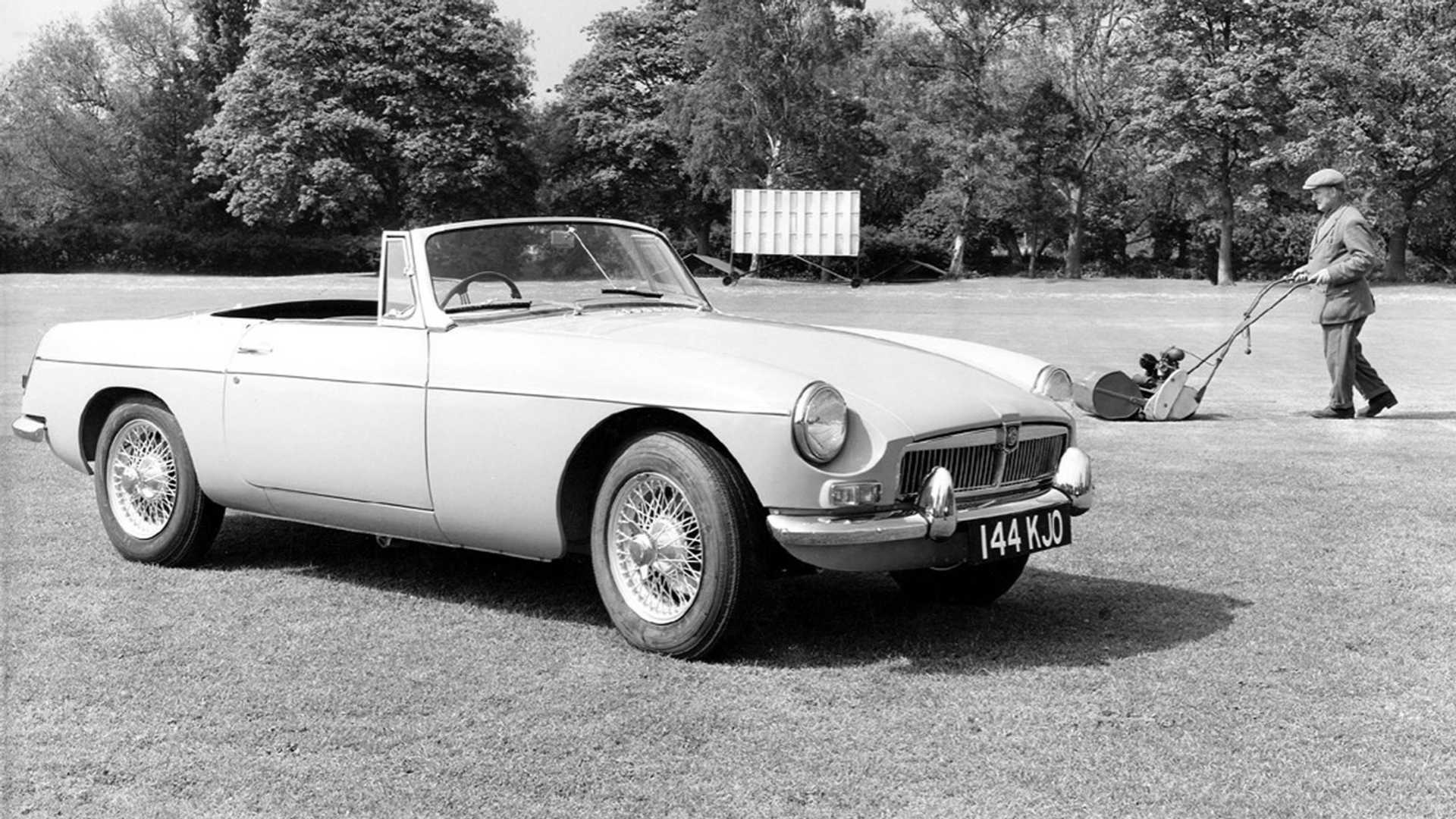 How To Buy The Perfect Mgb Sports Car Motorious