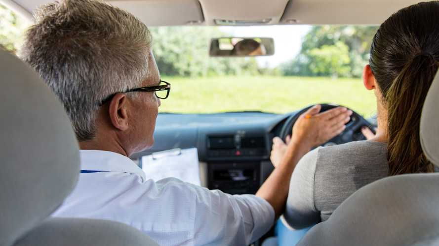 Top reasons why people fail their driving tests