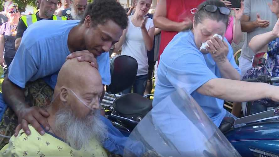 Dying Man's Final Request Fulfilled By 200 Roaring V-Twins