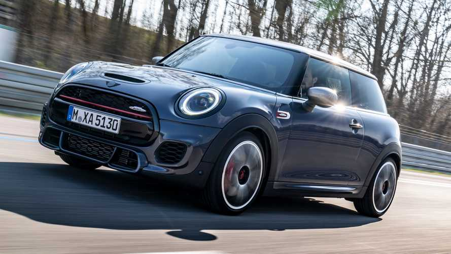 La MINI John Cooper Works è disponibile anche con il pack GP