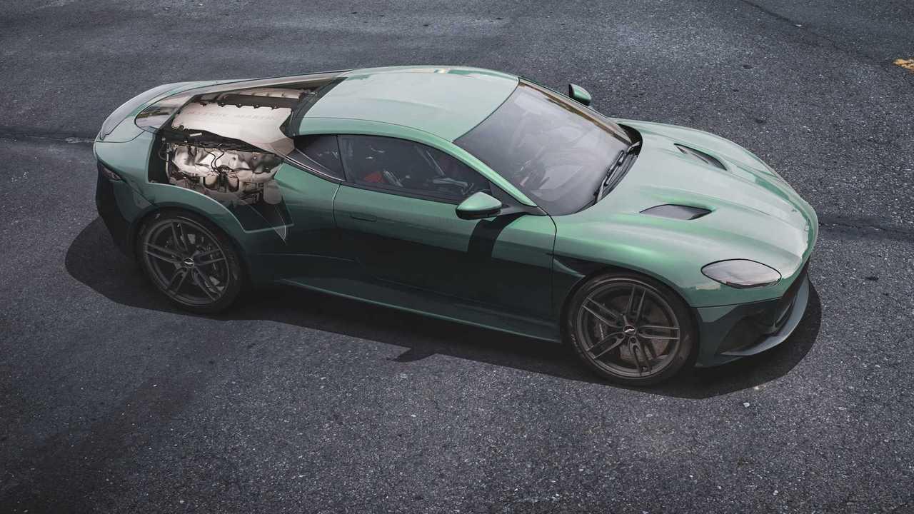 Aston Martin DBS: Rear