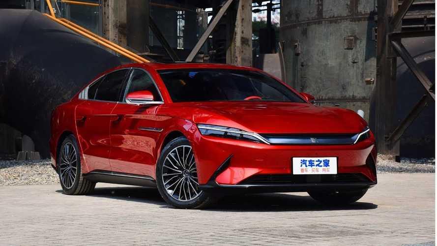 Gigante chinesa lança híbrido de 436 cv com preço equivalente a R$ 168 mil