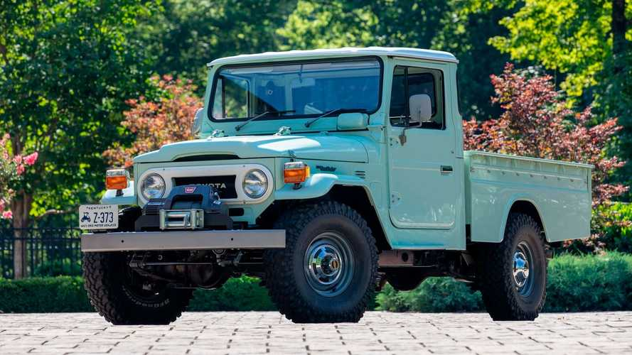 1973 Toyota FJ-45 Land Cruiser With V8 Power Has Us Green With Envy