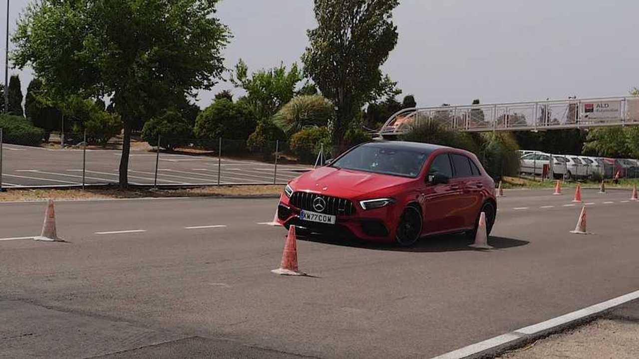 Mercedes-AMG A45 S jávorszarvas-teszt