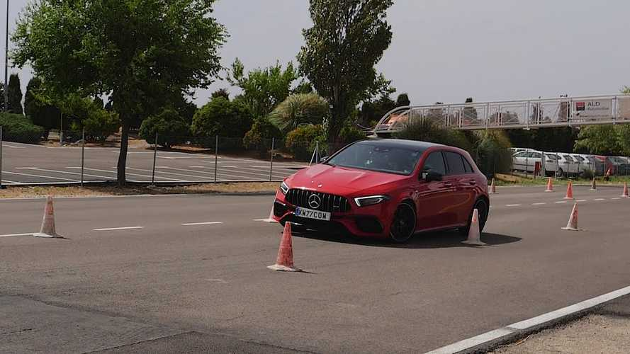 Videó: A Mercedes-AMG A45 S-nek sem sikerült túljutni a jávorszarvas-teszten