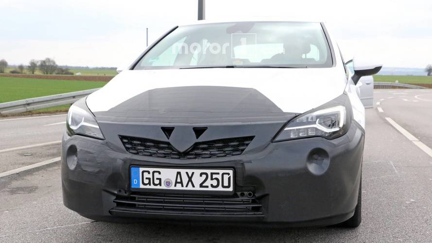 Opel Astra Facelift Spied For The First Time With Refreshed Face