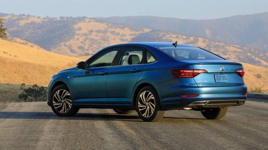 Comparativo - Novo VW Jetta é apenas um Virtus bombado?