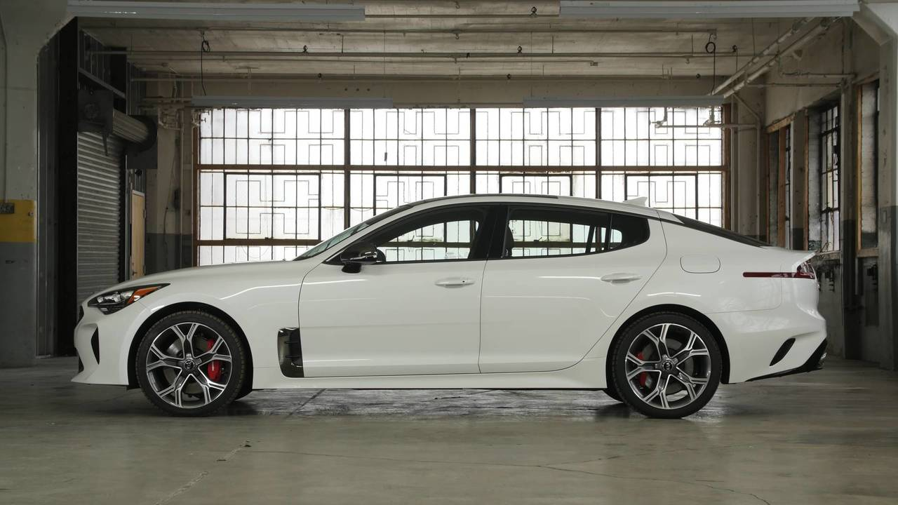 2018 Kia Stinger | Why Buy Headliner
