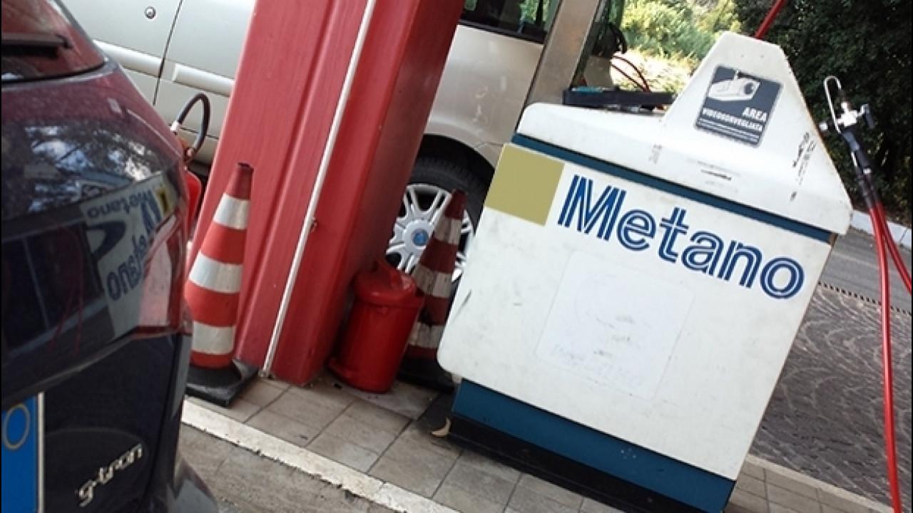 [Copertina] - Auto a gas, stangata nell'Area C di Milano