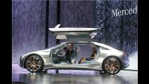 Mercedes blickt voraus