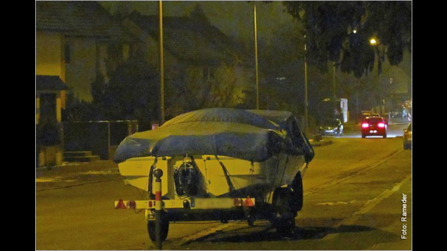Wie man den Autoanhänger gegen Diebstahl sichert