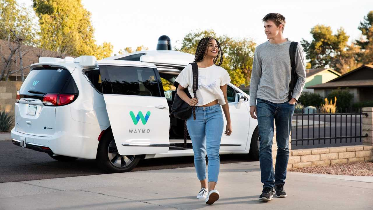 Guida autonoma, in USA i primi taxi-robot Google