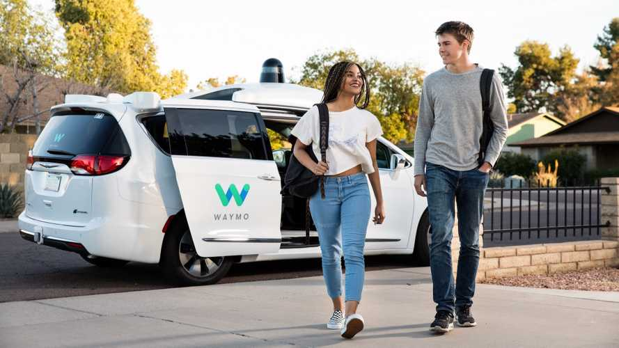 Guida autonoma, negli USA i primi taxi-robot Google