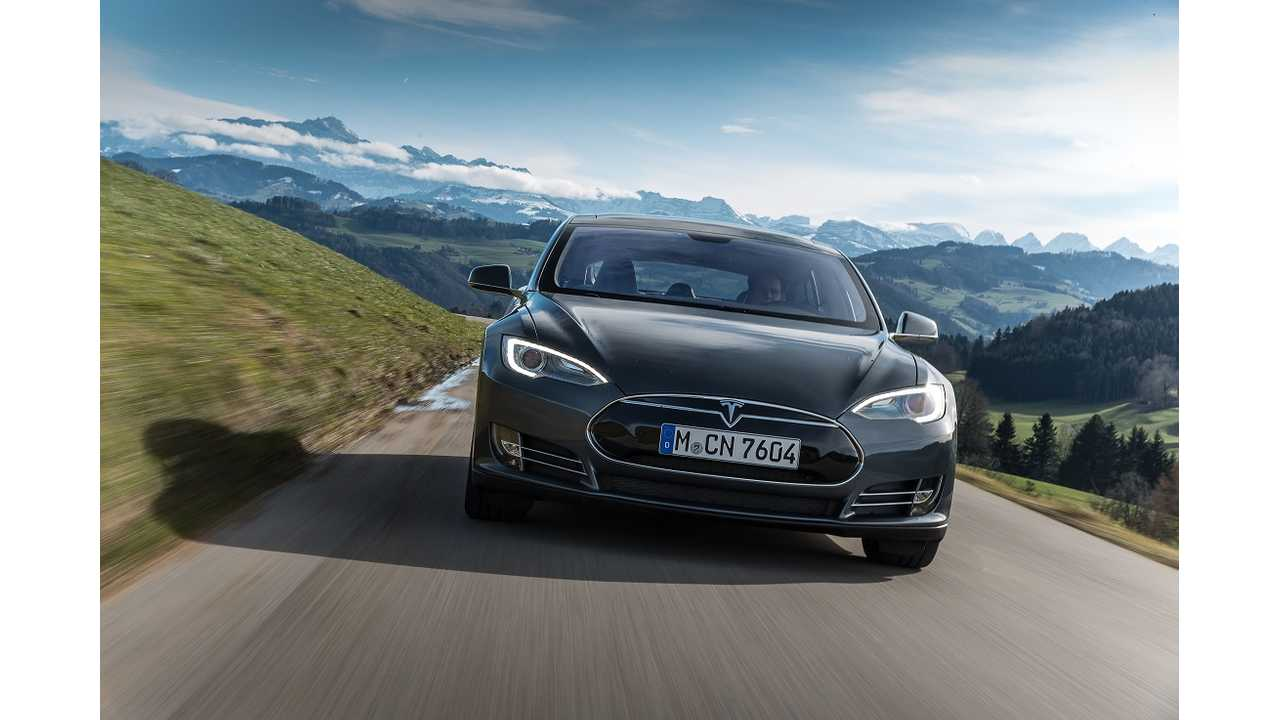Tesla Model S P85 + Featured on Fully Charged - Video