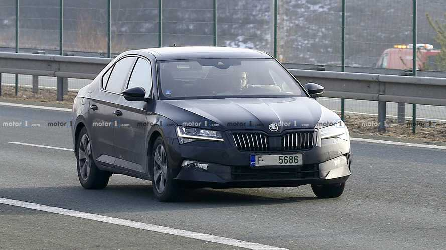2019 Skoda Superb hatchback and wagon spy photos