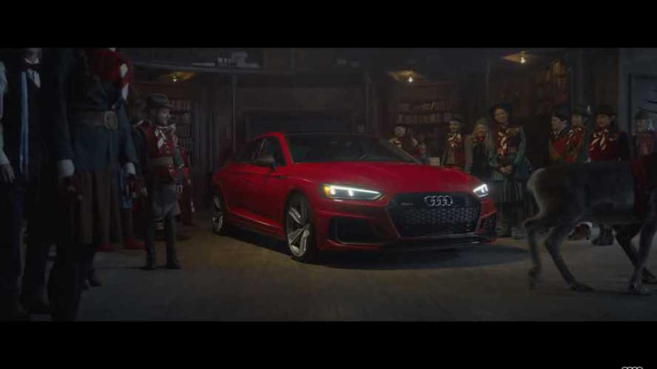 Santa Audi RS5 Sportback Sleigh