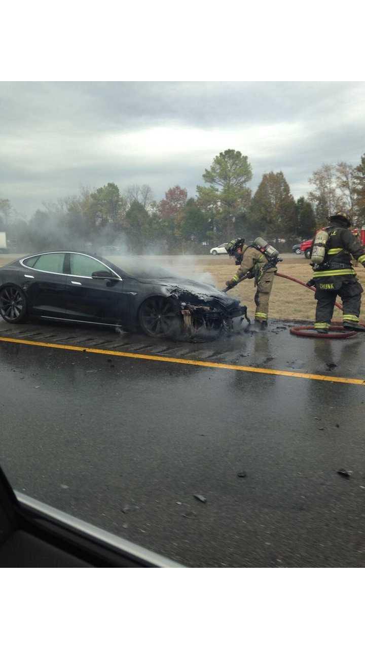 Third Tesla Model S Fire In Past 5 Weeks Breaks Out After Accident (Updated - Collision With Tow Hitch)
