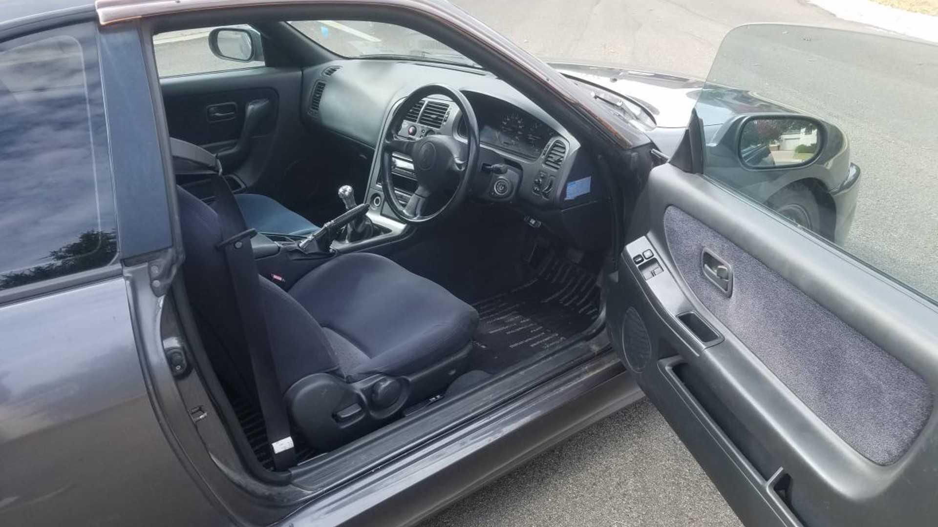 "[""Craigslist Nissan Skyline R33 Type M""]"