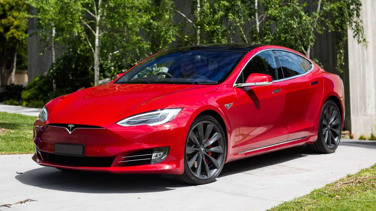 Debuting In 2017 The Tesla Model S Was Hailed As First All Electric Luxury Sedan To Be Built From Ground Up With Seating For Many Five
