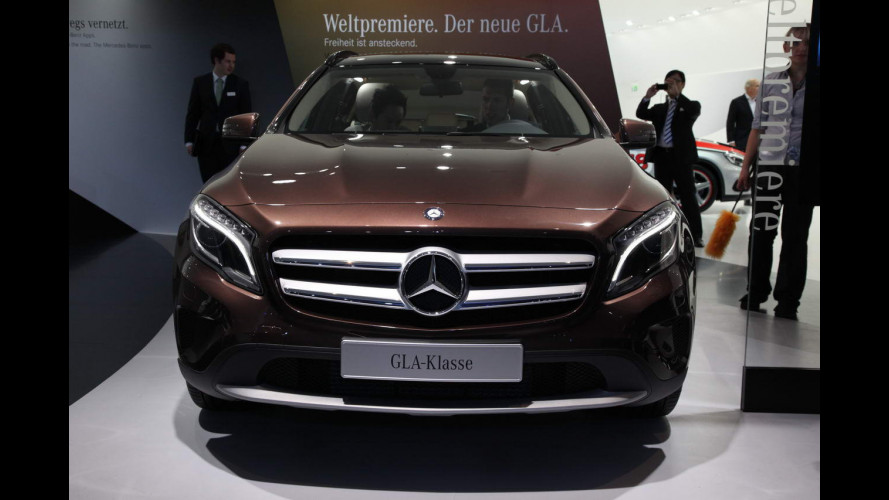 Salone di Francoforte, la Mercedes GLA vista dal vivo [VIDEO]