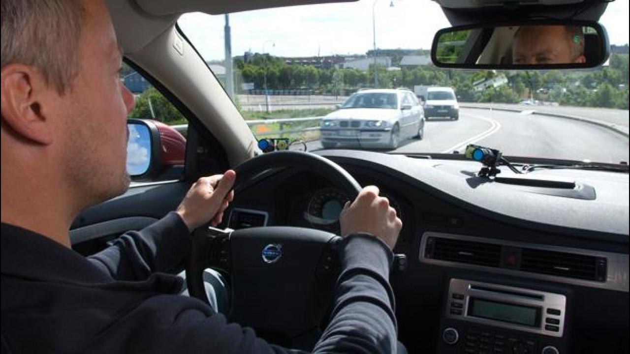 [Copertina] - Le tecnologie Volvo riducono il rischio di tamponamento in autostrada del 42%