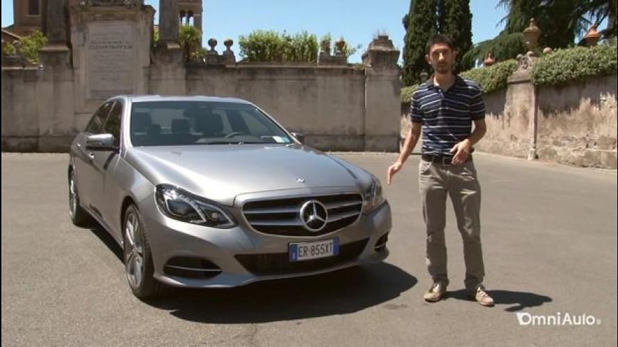 Mercedes Classe E ibrida diesel, l'abbiamo fatta guidare ad un vero autista di NCC [VIDEO]