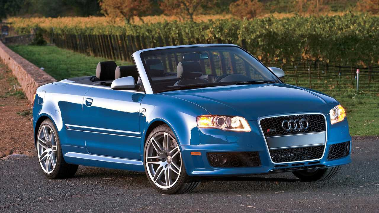 Audi RS 4 (2005), RS 4 Avant (2006) ed RS 4 Cabriolet (2006)