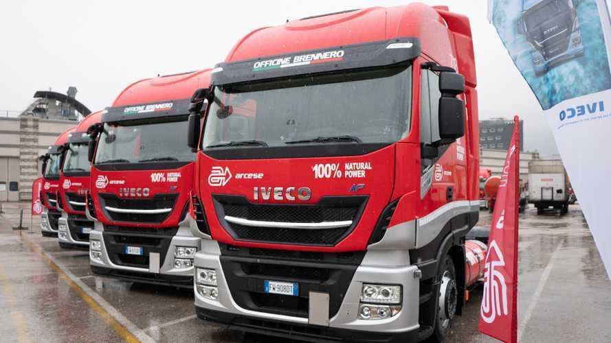 Iveco consegna 4 Stralis NP 460 al Gruppo Arcese