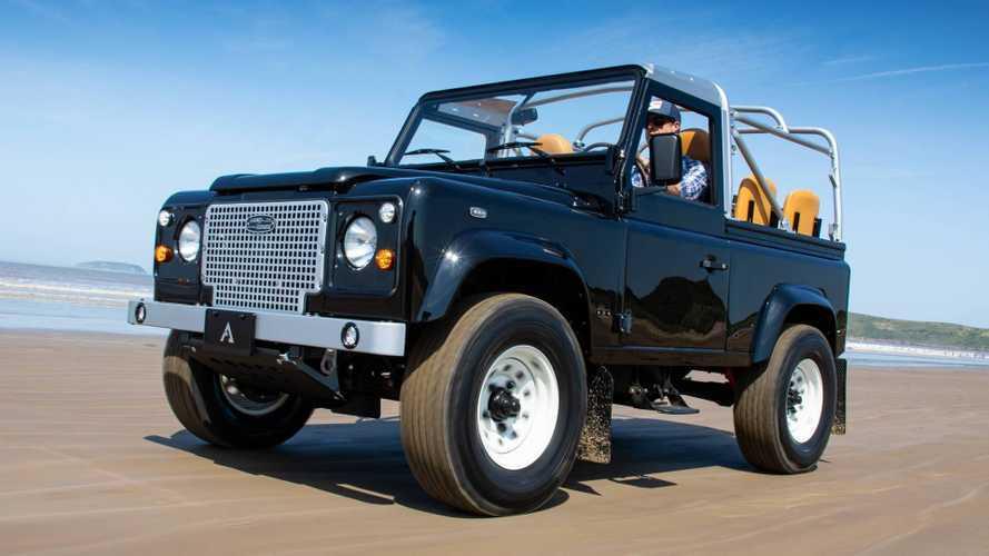 Este 'restomod' de un Land Rover Defender nos parece sensacional