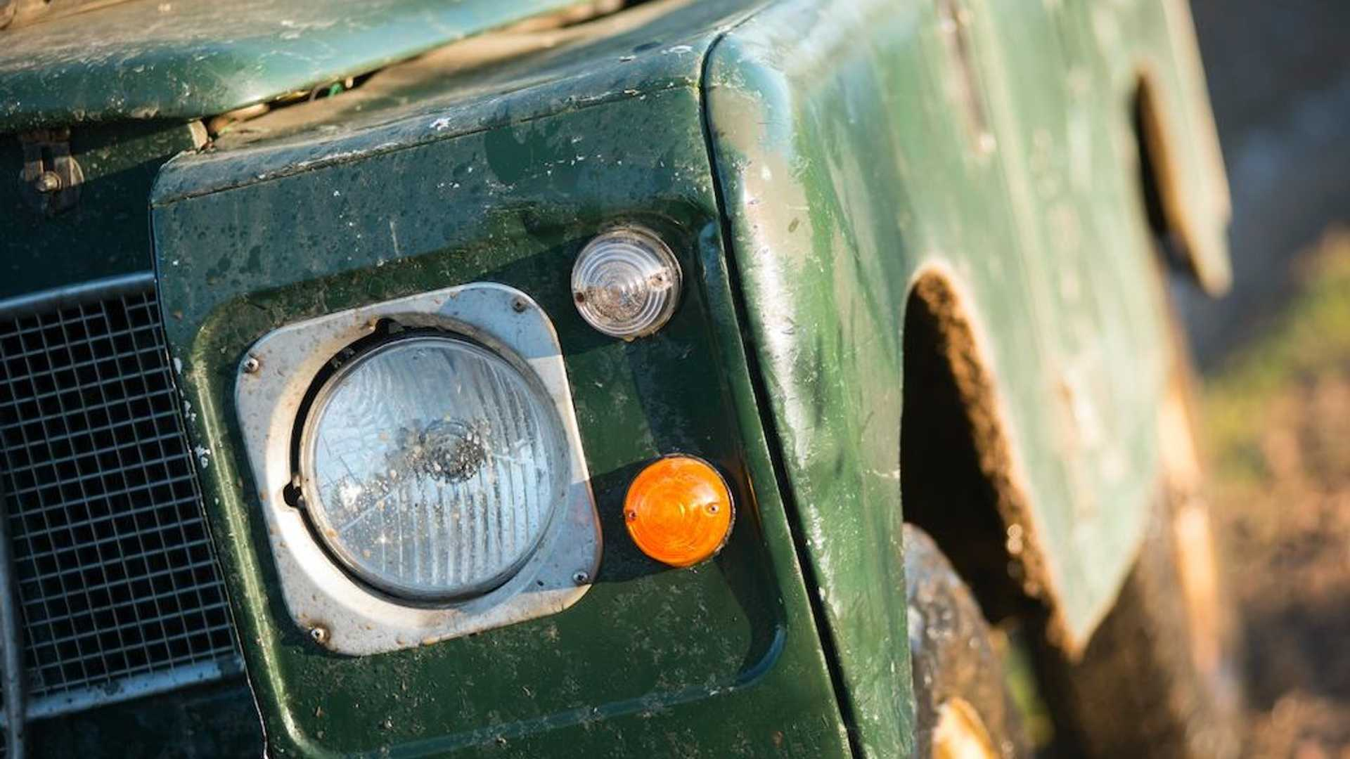 "[""Land Rover Series III""]"