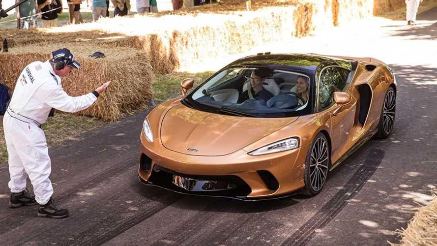 La McLaren GT fait ses débuts dynamiques à Goodwood !