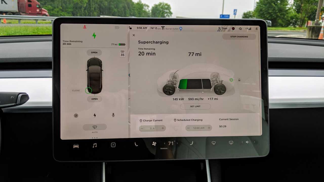 Tesla Model 3 orta ekran