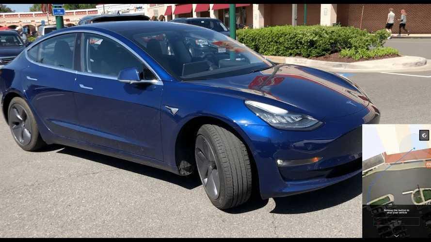 Tesla Model 3 Enhanced Summon Curbside Pickup & Tesla App View