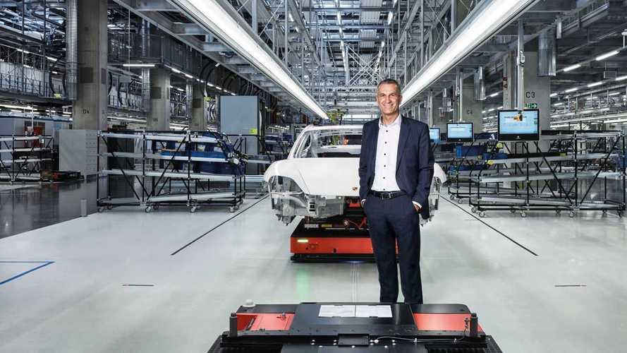 Porsche rivoluziona la fabbrica per avviare la produzione della Taycan