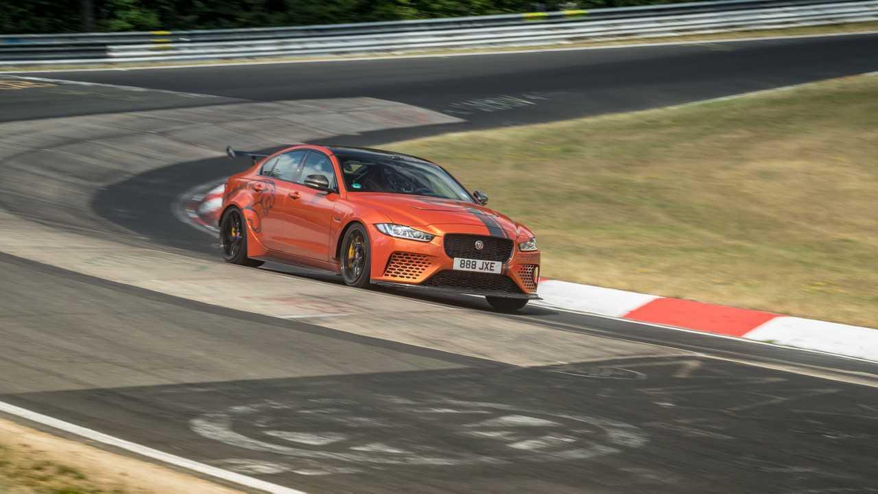 Jaguar Project 8 batte il record del Nurburgring
