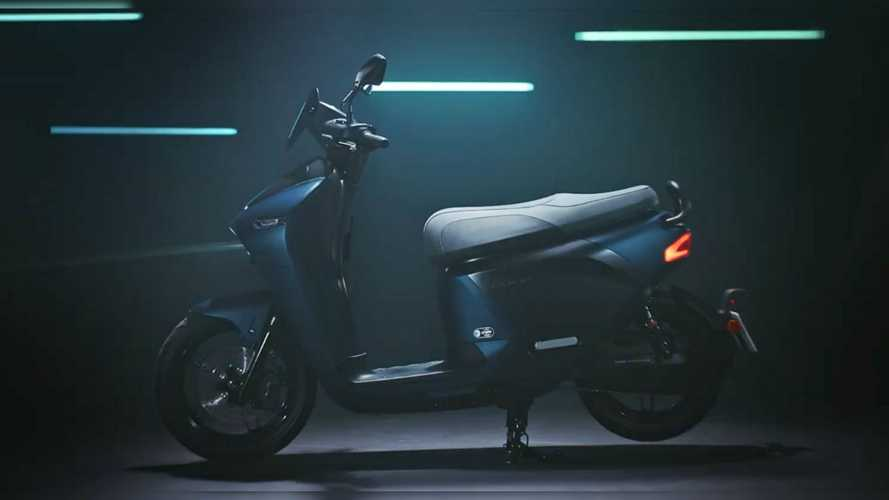 Yamaha EC-05, E-scooter con batterie intercambiabili [VIDEO]
