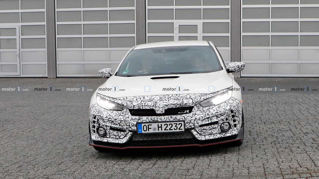 Honda Civic Type R Test Mule Spy Shots