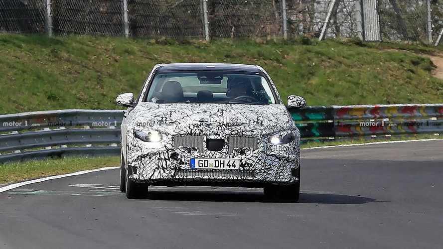 Yeni 2020 Mercedes-Benz C-Serisi Yoğun Kamuflajlı