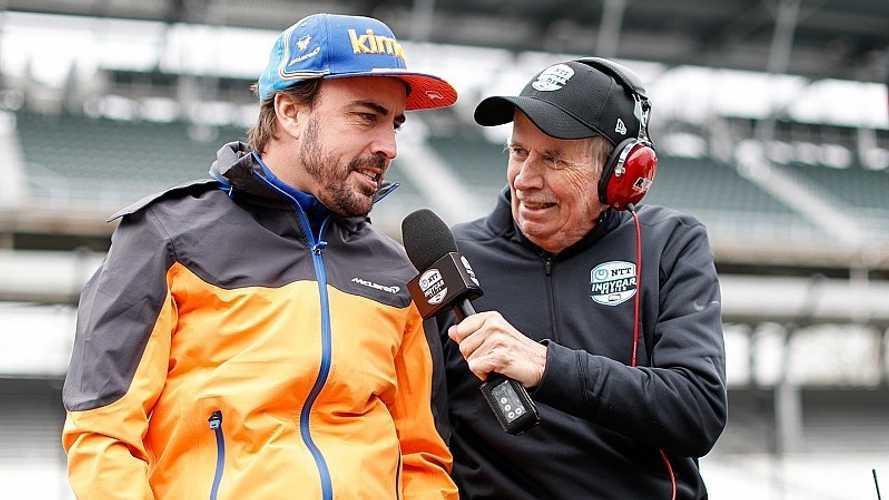 Alonso completa sus primeras vueltas en Indy con sobresalto