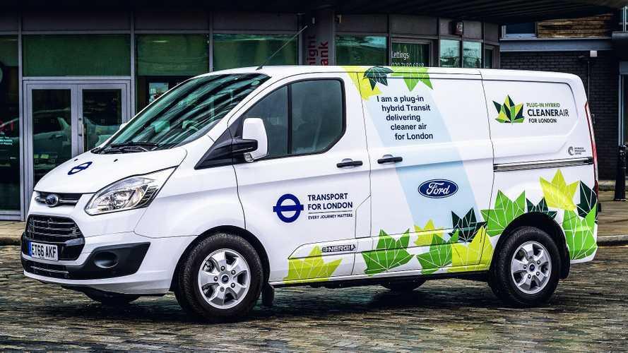 Ford, i furgoni ibridi battono quelli diesel